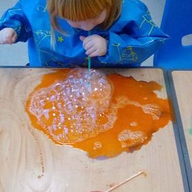 child-bubble-painting